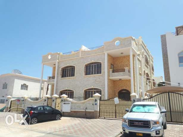 6BHK Twin Villa Al Uzaiba w/ Open Kitchen FOR RENT near Mosque pp77