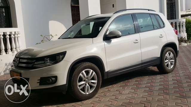 2.0 ltr automatic 2012 model VW Tiguan for sale مسقط -  1