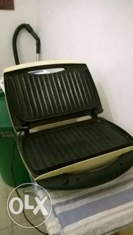 Contact Grill مسقط -  1