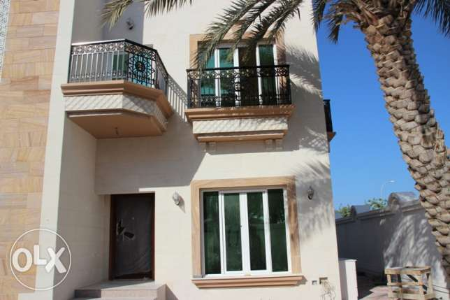 Al Hail South - Brand New 4 Bedroom Villa in a Complex مسقط -  1