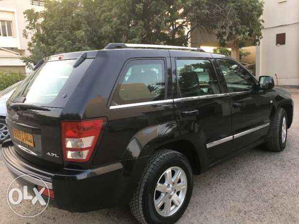 Jeep Grand Cherokee 4.7 L Special Edition مسقط -  5
