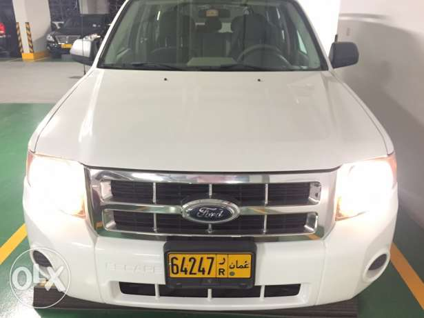 REDUCED PRICE Great Condition Expat Driven Ford Escape 3.0. / 4WD! مسقط -  2