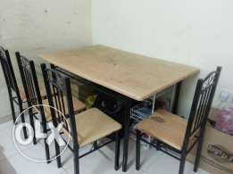 4 chair dinning table. ..
