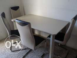 Dining table for urgent sell