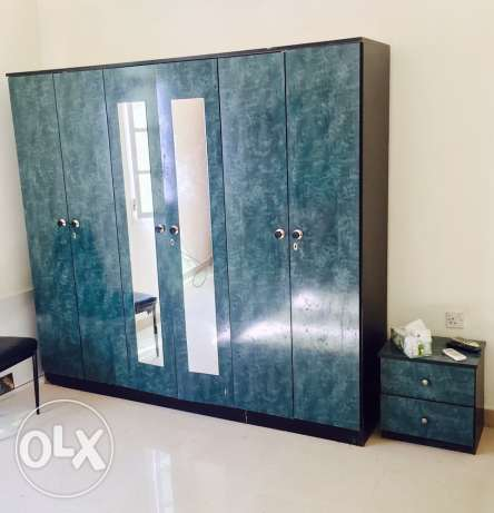 6 doors cupboard for sale مسقط -  1