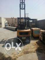 Forklift caterpillar 2-5 for sale avilable