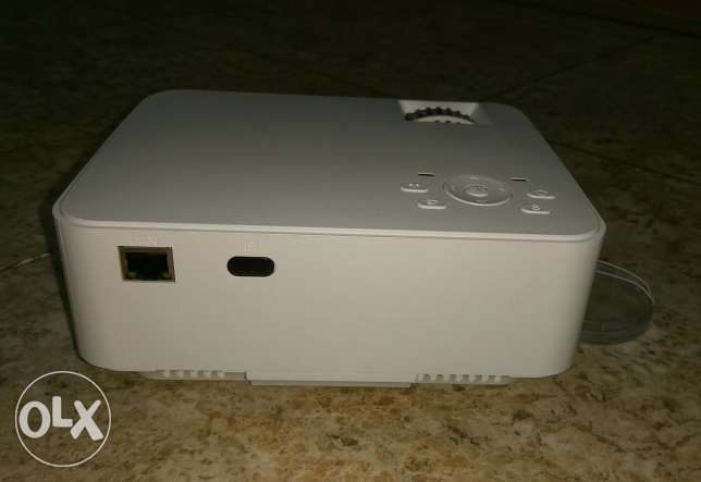 LED Projector + TV BOX Set in Android 4.4 WIFI, Bluetooth, 1500 مسقط -  2