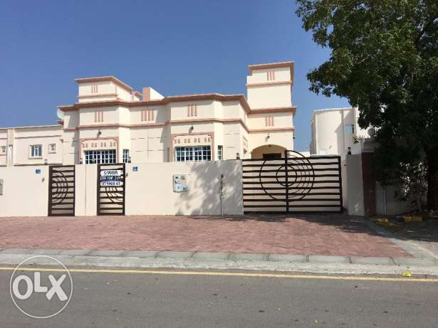 a new small villa for rent in sour al hadid sea view
