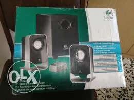 Home theater speaker set
