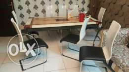 8 Dinning Chairs for Sale.