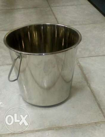 Bucket with handle , New