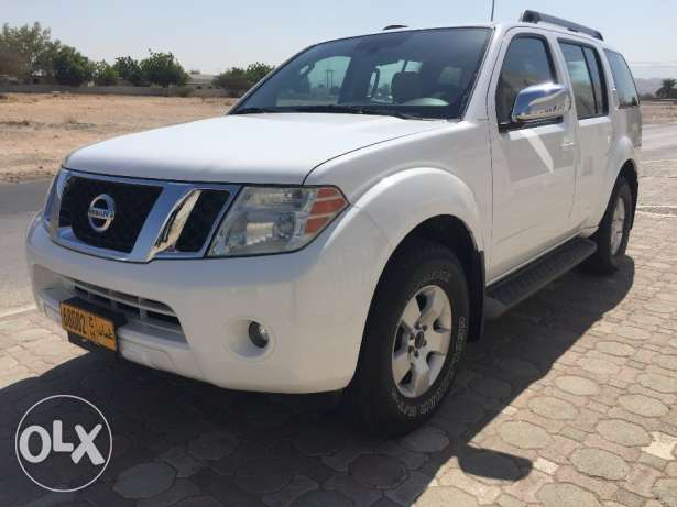 Excellent Condition Nissan Pathfinder 2010 model Number 2 with Rear AC مسقط -  4