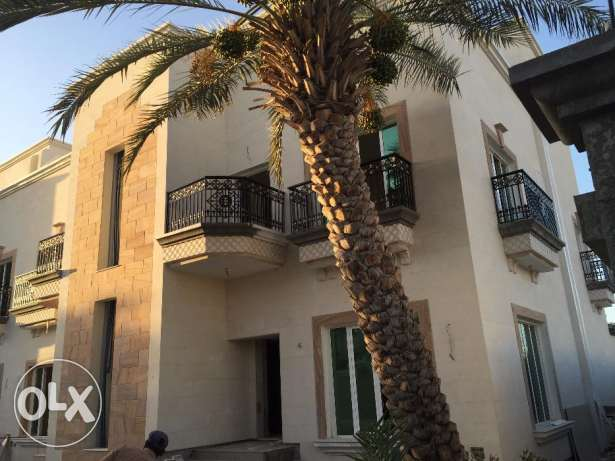villa for rent in alhail south for 700 rial