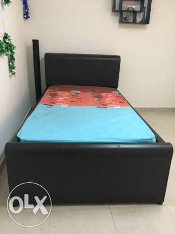 Bed with mattress مسقط -  2