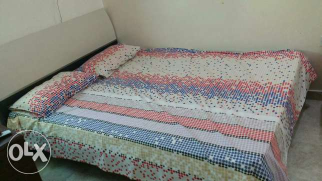 King size cot +Mattress السيب -  1