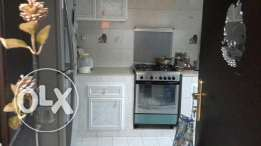 1 bhk spacious flat in alkhuwair near by supermarkets
