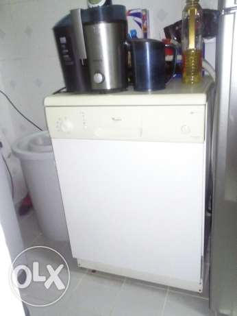 Dishwasher for sell مسقط -  1