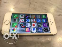 i phone 5s very good condition in silver color only 80 riyal