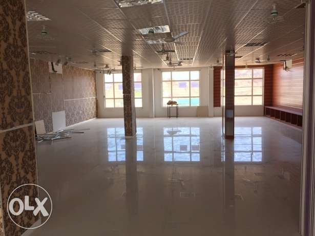 For rent big showroom in Fanja