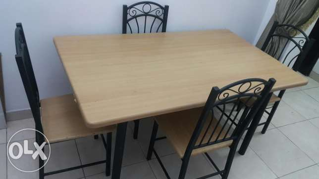 Dinning Table for sale 25 rail