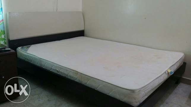 King size cot +Mattress السيب -  5