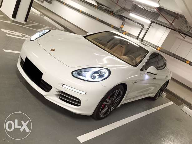 Panamera 4S 2014 *price negotiable* under porsche warranty