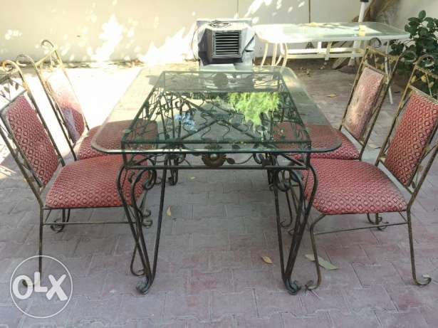 Garden Table and Chair مسقط -  2