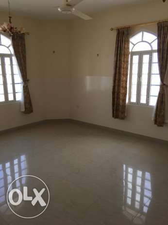 flat for rent in al south north 3 bhk for 350 rial السيب -  1