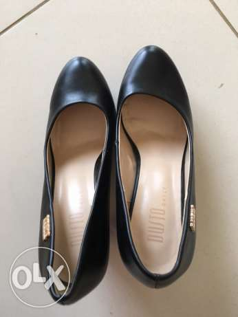 Black high-heeled shoes, almost new ,very good condition,size 36