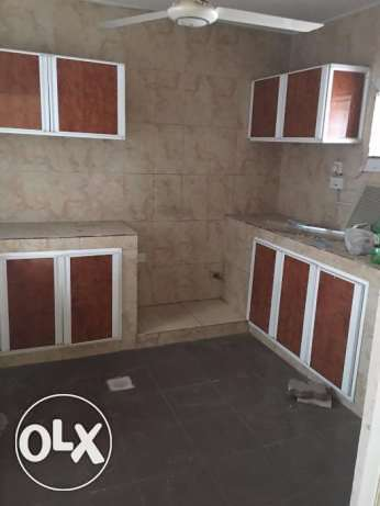 3 BHK for rent in alkhawir 17/1 3 bedrooms Hall Big kitchen مسقط -  2