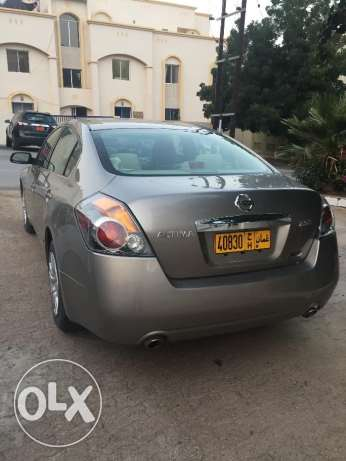 A Well Maintained City Driven Owner Car in Excellent Shape مسقط -  2
