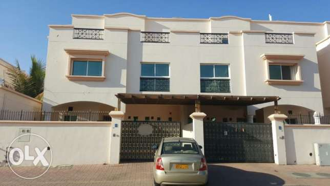 KA 020 Villa 6 BHK in MQ for Rent