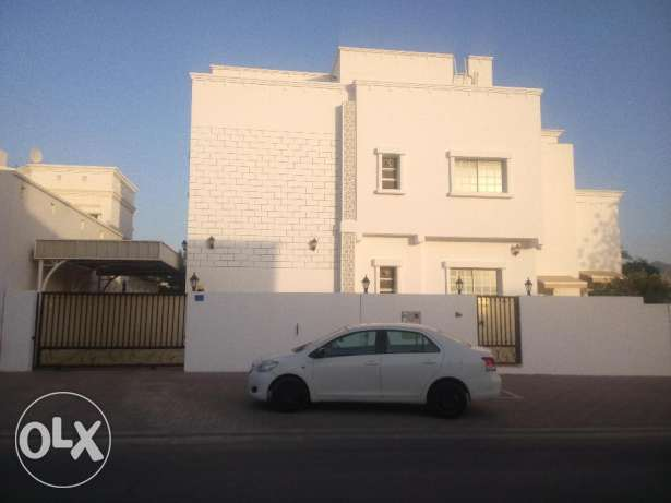 Specious 6 BHK Commercial Villa at Bowsher Opp road of Penorama Mall