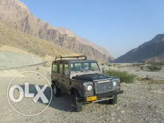 2005 Land Rover Defender 110 Station Wagon 9 Seat Excellent Condition مسقط -  1