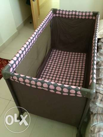 Juniors Collapsible baby crib
