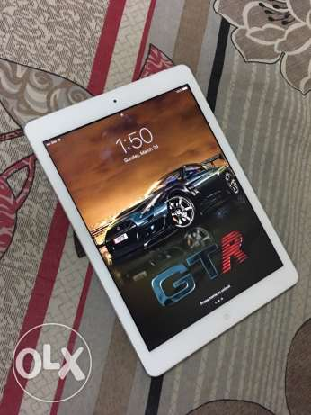 Apple iPad air 64gb With wifi and SIM card very good condition