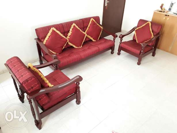 5 Seater Wooden Sofa - Neatly Maintained - Expat Leaving