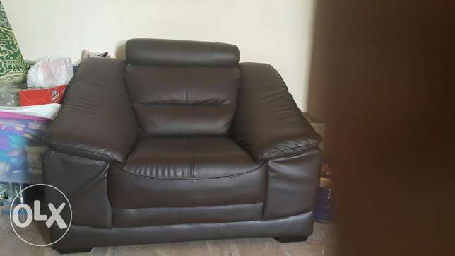 Two single seater sofa مسقط -  2