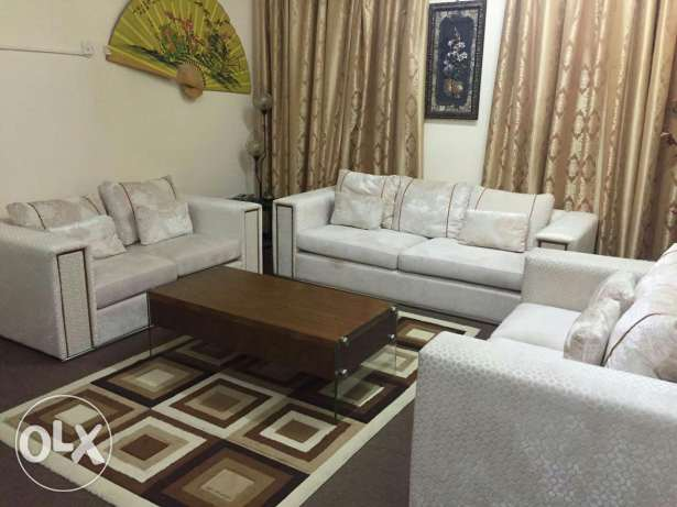 Sofa set ( 3+2+2) very good condition bought from home centre مسقط -  4