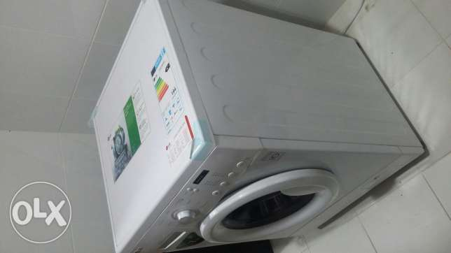 LG Washing Machine - Front load-7 Kg in Good Condition