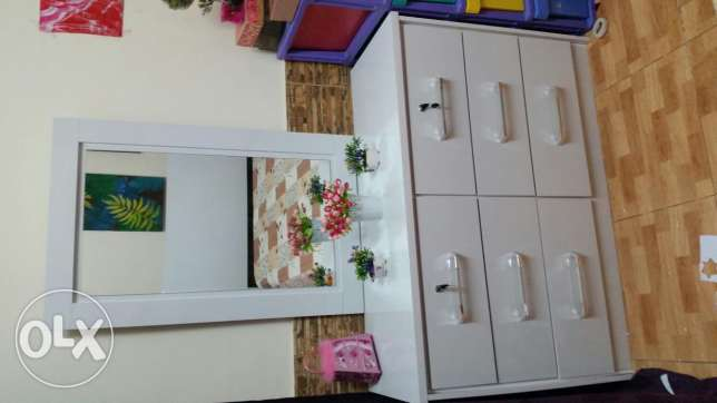 Bed and dressing table .Homecentre
