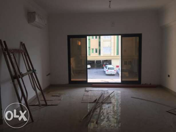 brand new flats for rent in al khwer 42 بوشر -  2