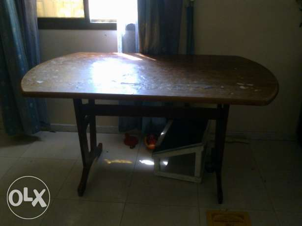 Dinning Table without chair - urgent sale نزوى -  2