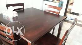 4 sitter dinning table for urgent sale