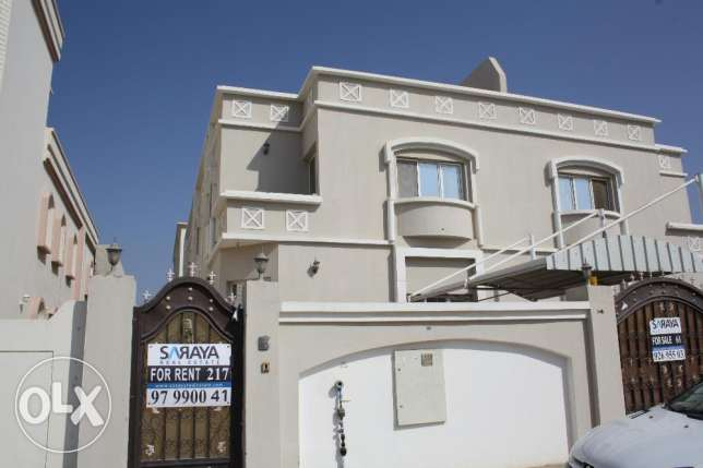 villa for rent in al mawaleh south near to vegetable souk مسقط -  1