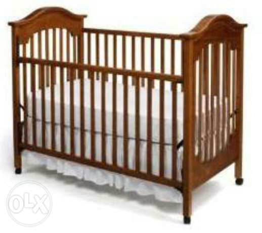 Brown baby crib with mama & Papa matress مسقط -  1