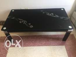Solid High quality center table for living room only at RO 40.