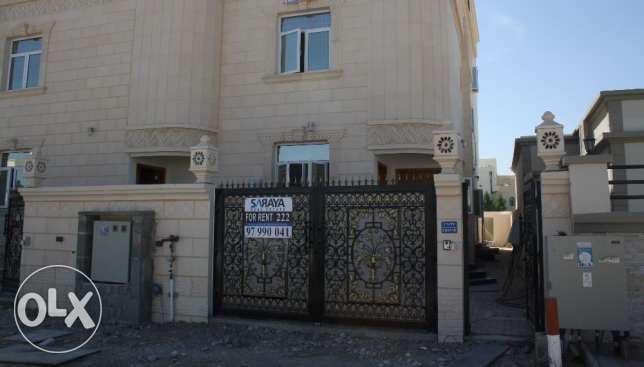 new villa for rent in al khod six near to univeersit مسقط -  1
