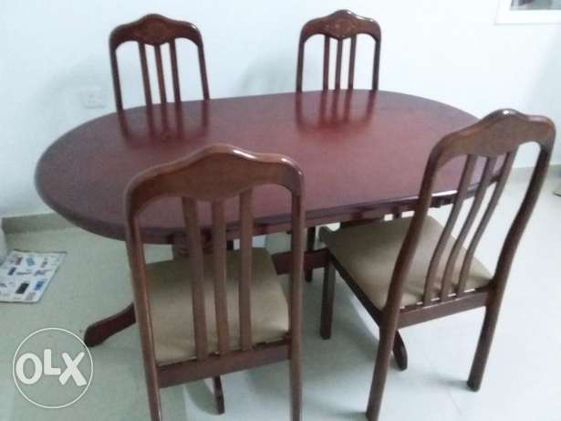 Brand new condition dining table with 4 chair for sale مسقط -  2