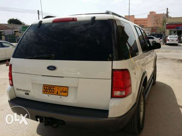 Ford explorer 2004 full option sunroof urgent sale صلالة -  7